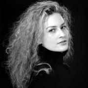 fotografia da studio bianco nero colore post produzione per cataloghi book moda como varese milano