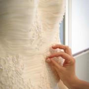 foto di matrimonio como particolare abito della sposa wedding lake como