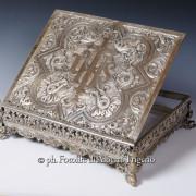 foto restauro oggetti e miniaturistiche arte sacra per cataloghi presentazioni multimedia archivio digitale curia como milano varese