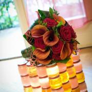 foto di matrimonio como particolare bouquet fiori della sposa