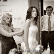 Fotografo di matrimonio stile reporatage como vestito sposa abbiglimento nuziale