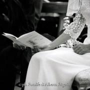 foto dettagli particolari zoomate particolari della cerimonia nozze fotografia professionale in bianco e nero e colori como lecco varese svizzera