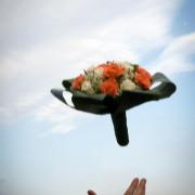 Foto di lancio del bouquet della sposa como varese lecco