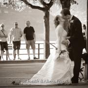 fotografia di matrimonio nozze sposi street style reportage Lake como Cernobbio Bellagio Menaggio Moltrasio Lenno Ville d'epoca
