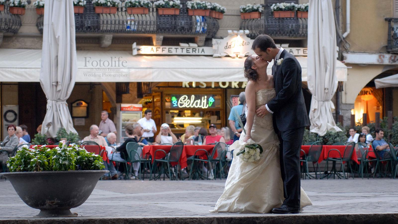 Foto di sposi in centro Como