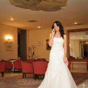 Foto sposa al telefono Hotel imperiale Moltrasio Lago di Como