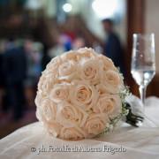 fotografo di matrimonio como bouquet fiori particolari dettagli foto simboliche finale album matrimonio