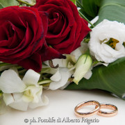 foto simboliche particolari anelli sposi como lago bellagio